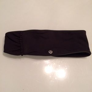 NWOT Lululemon headband with small ruffles